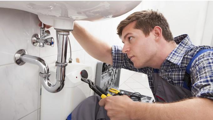 Est-il possible d'appeler un plombier pas cher pendant le confinement ?